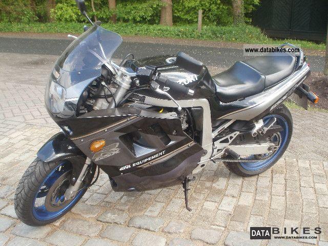 1992 Suzuki  GSX 1100 R Motorcycle Sports/Super Sports Bike photo