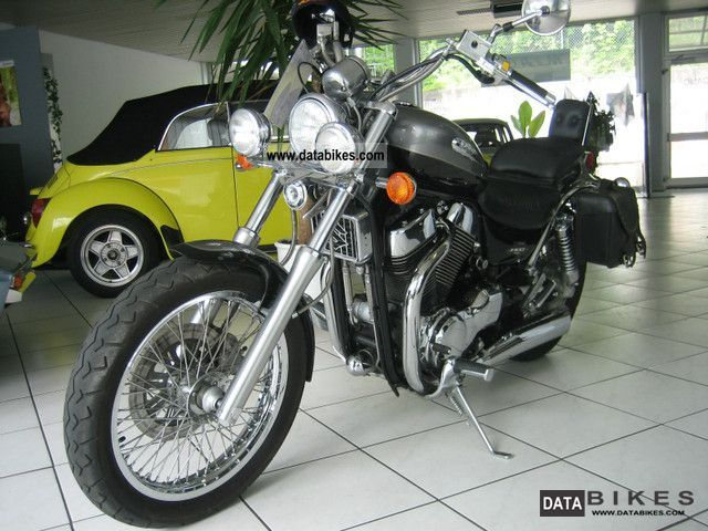 2003 Suzuki  1400 Intruder Motorcycle Chopper/Cruiser photo