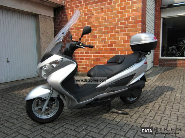 2007 Suzuki  Top with UH200 K7 TopCase and high disk Motorcycle Scooter photo