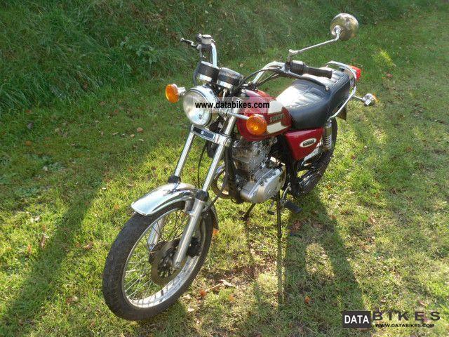 2000 Suzuki  Gn 125 Motorcycle Lightweight Motorcycle/Motorbike photo