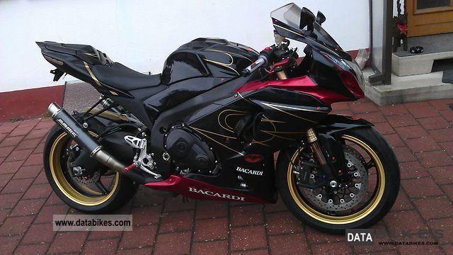 2009 Suzuki  GSXR 1000 Motorcycle Sports/Super Sports Bike photo