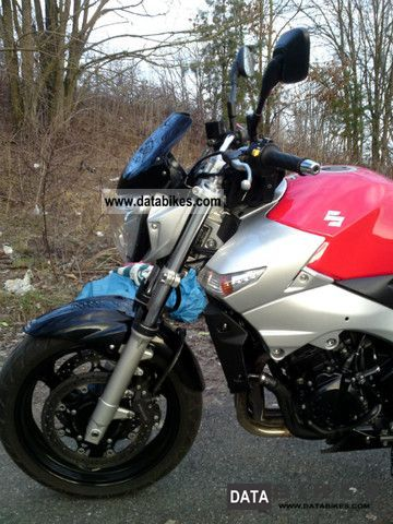 Suzuki  GSR 2006 Naked Bike photo
