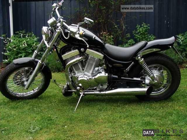 1997 Suzuki  Vs 1400 Intruder Motorcycle Chopper/Cruiser photo
