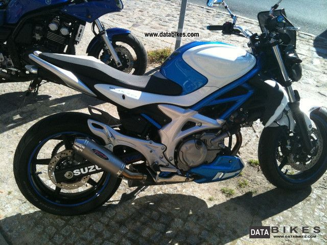 Suzuki  Gladius with BOS exhaust and windscreen 2010 Naked Bike photo