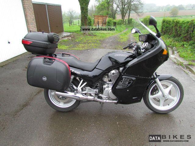 1998 Suzuki  VX 800 Motorcycle Tourer photo