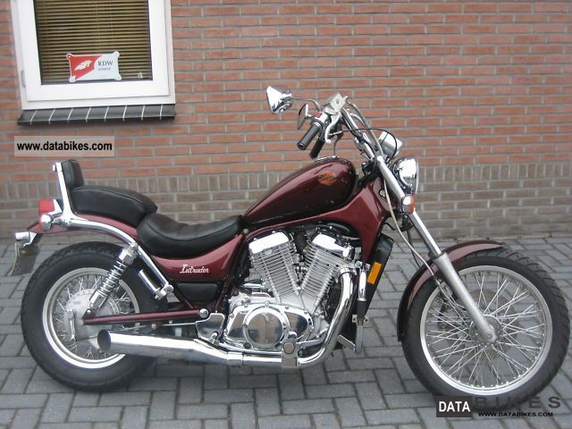 Suzuki  VS 700 INTRUDER 1986 Chopper/Cruiser photo