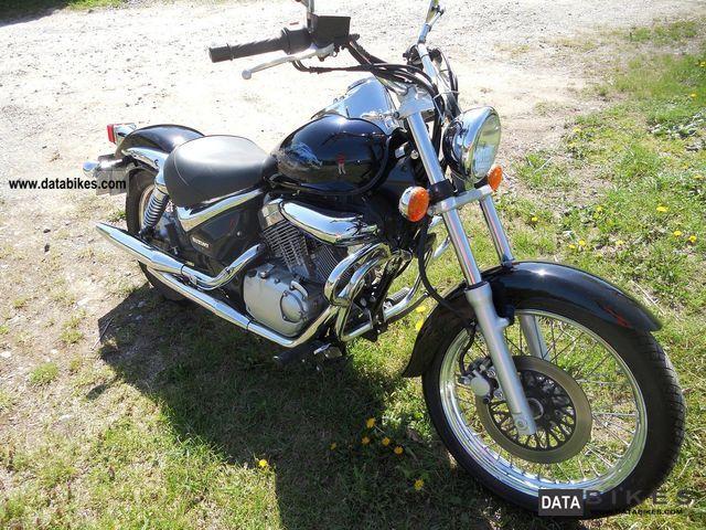 1999 Suzuki  VL125 Intruder Motorcycle Lightweight Motorcycle/Motorbike photo