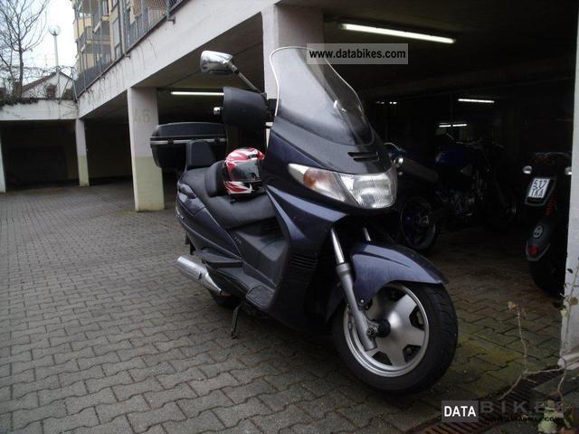 2000 Suzuki  AN 400 Burgman Motorcycle Scooter photo