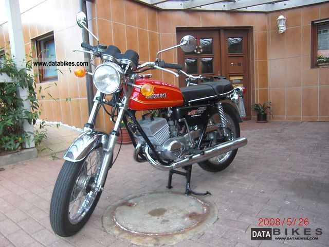 Suzuki  GT 250 1976 Vintage, Classic and Old Bikes photo