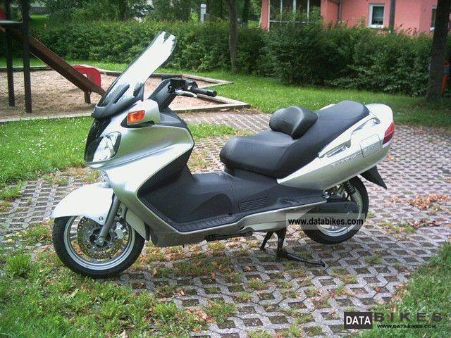 2012 Suzuki  AN 650 Burgman Motorcycle Scooter photo