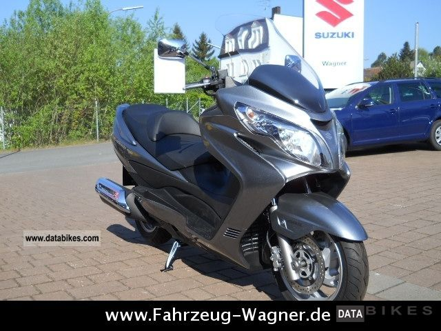 2011 Suzuki  AN 400 L0 Burgmann scooter's price action!! Motorcycle Scooter photo