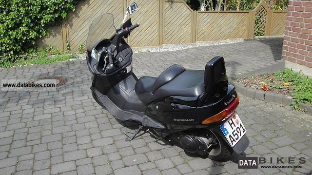 1999 Suzuki  AN 250 Burgman Motorcycle Scooter photo