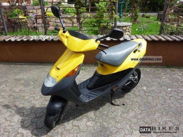 1998 Suzuki  AP 50 Motorcycle Scooter photo