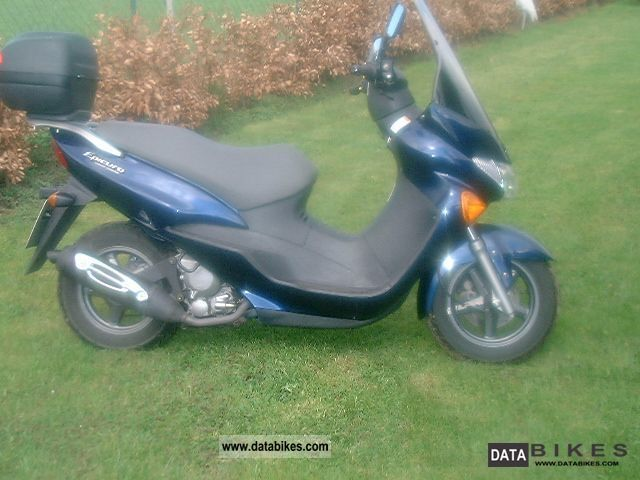 2002 Suzuki  ax Motorcycle Scooter photo