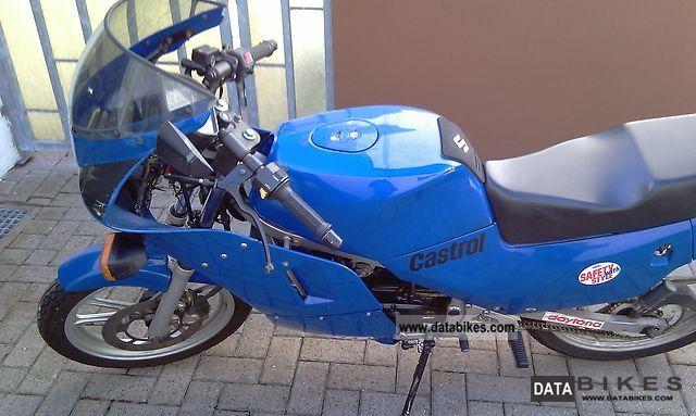 1993 Suzuki  RG 80 Gamma Motorcycle Lightweight Motorcycle/Motorbike photo