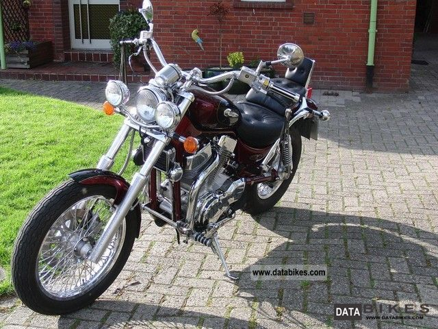 1997 Suzuki  Intruder 1400 Motorcycle Chopper/Cruiser photo