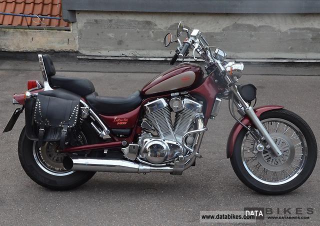 1993 Suzuki  Indruder 1400 Motorcycle Chopper/Cruiser photo