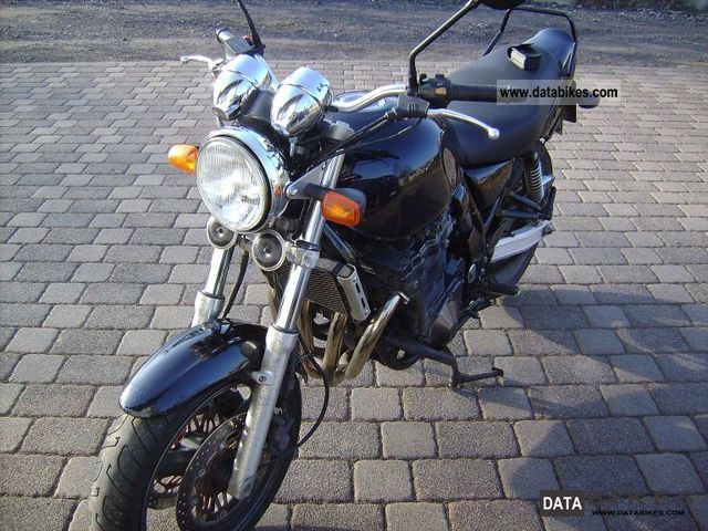1997 Suzuki  GSX 750 Motorcycle Naked Bike photo