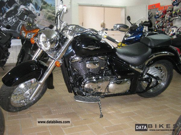 2011 Suzuki  VL 800 L0 Motorcycle Chopper/Cruiser photo