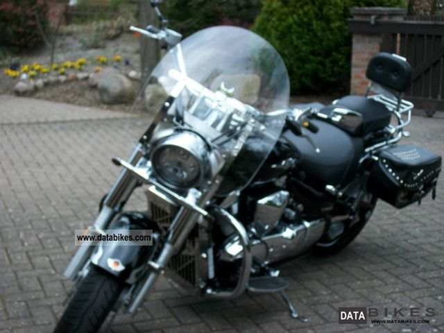 2010 Suzuki  Intruder Motorcycle Chopper/Cruiser photo