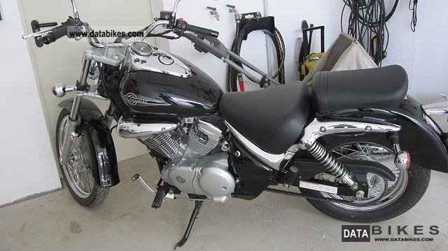 2006 Suzuki  Intruder LC Motorcycle Chopper/Cruiser photo