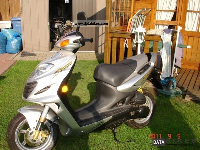2004 Suzuki  AY50 Motorcycle Scooter photo