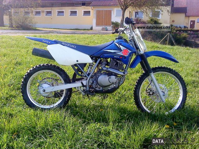 2010 Suzuki  125L DR-Z Motorcycle Dirt Bike photo