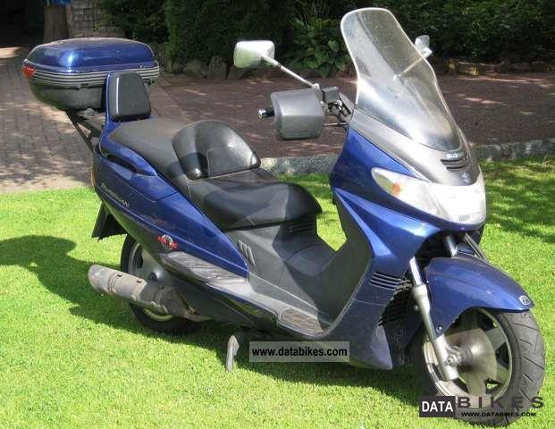 1999 Suzuki  AN250 Motorcycle Scooter photo