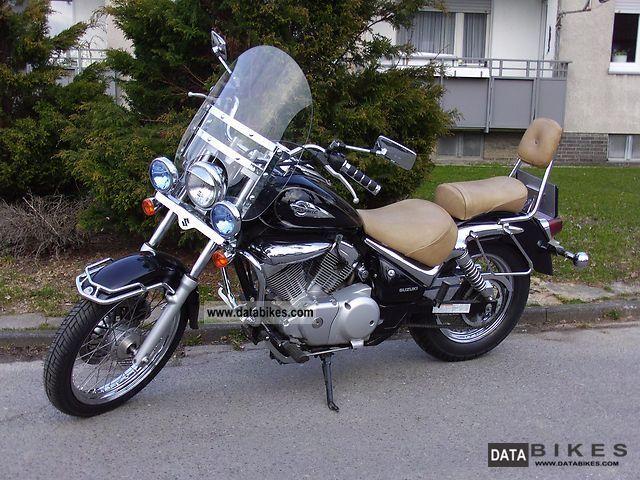1999 Suzuki  Intruder LC 125 Motorcycle Chopper/Cruiser photo