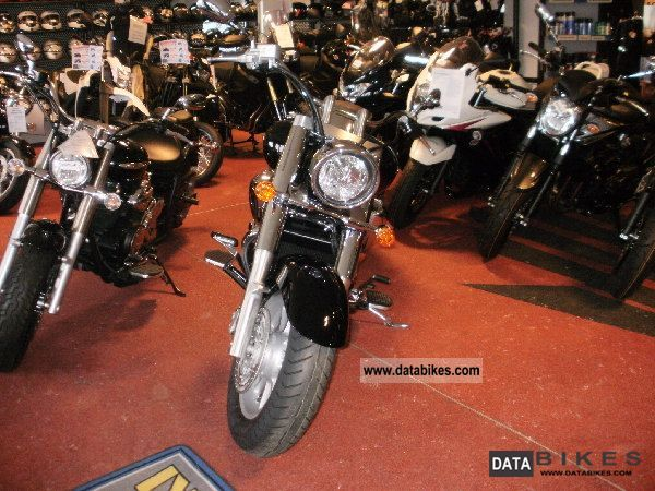 2011 Suzuki  VLR1800L0DEZ11 temporary registration Motorcycle Chopper/Cruiser photo