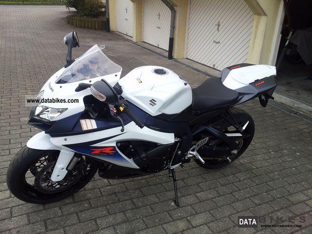 2010 Suzuki  GSX-R 750 Motorcycle Sports/Super Sports Bike photo