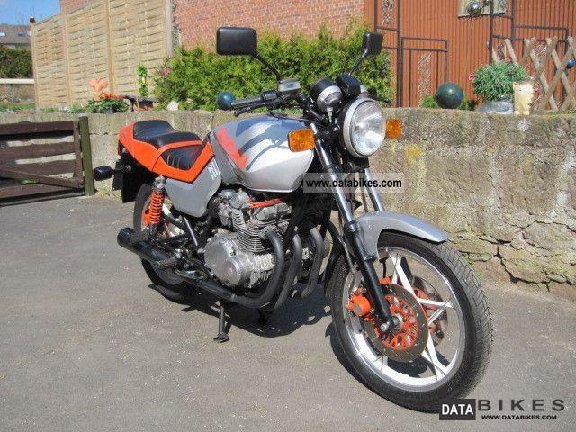 1982 Suzuki  GS 550 M Motorcycle Sport Touring Motorcycles photo