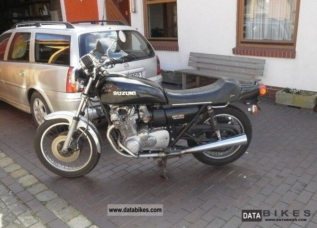 Suzuki  GS 750 1981 Motorcycle photo