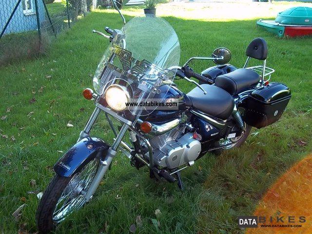 2004 Suzuki  125 Motorcycle Chopper/Cruiser photo