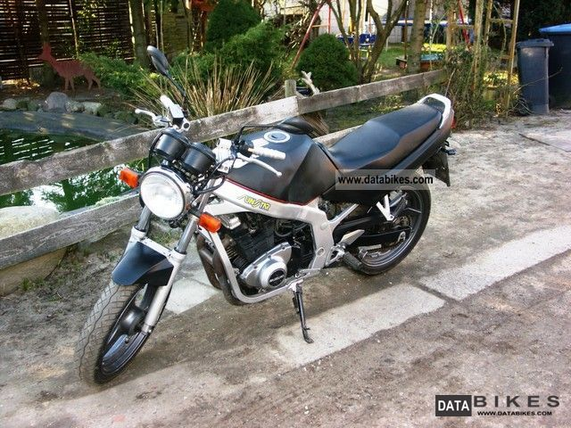 Suzuki  GS 2000 Naked Bike photo