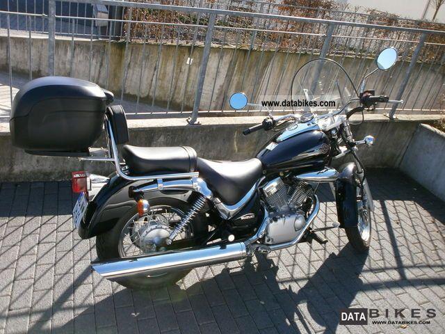 2008 Suzuki  Intruder 125 Motorcycle Chopper/Cruiser photo