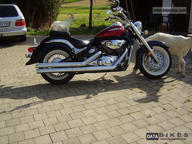 2004 Suzuki  Intruder C 1800 Motorcycle Chopper/Cruiser photo