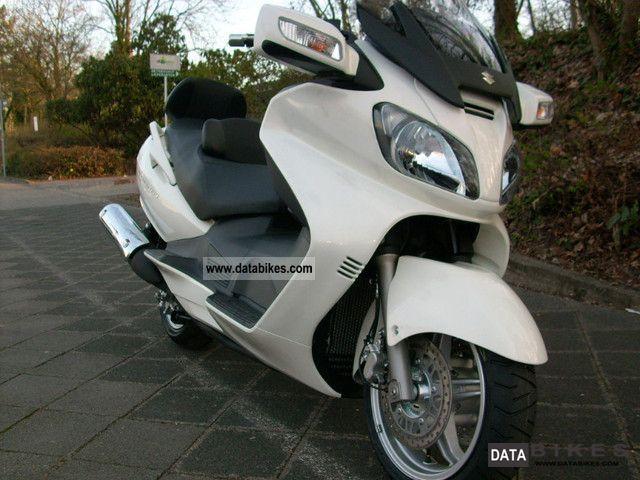 Suzuki  Burgman 650 2011 Scooter photo