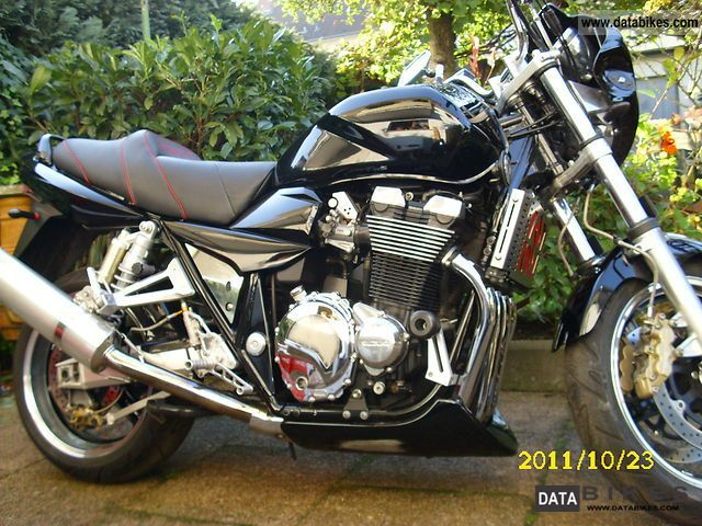 2001 Suzuki  1400 Motorcycle Naked Bike photo