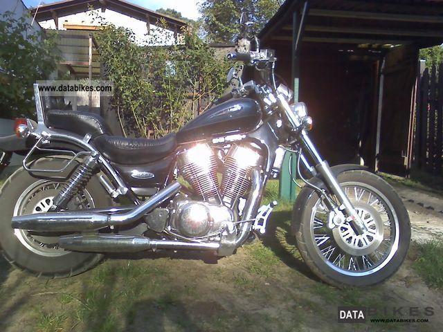 2003 Suzuki  Intruder Motorcycle Chopper/Cruiser photo