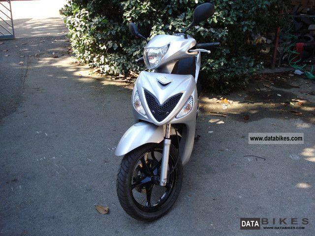 2008 Suzuki  Sixteen Motorcycle Scooter photo
