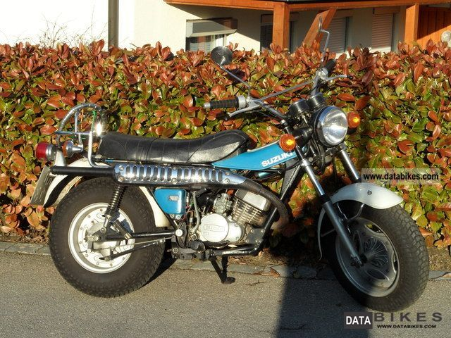 1982 Suzuki  RV 125 Motorcycle Lightweight Motorcycle/Motorbike photo