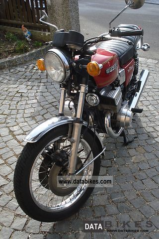Suzuki  GT550 1977 Vintage, Classic and Old Bikes photo