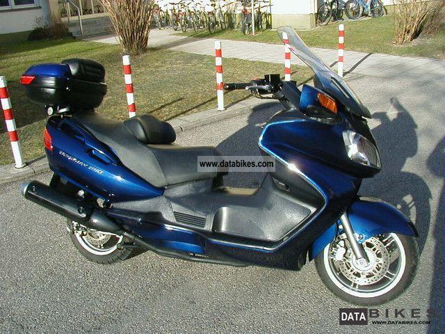 2002 Suzuki  AN650K3 Motorcycle Scooter photo