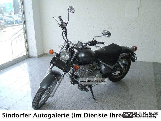 2007 Suzuki  Intruda one hand excellent condition with many extras Motorcycle Chopper/Cruiser photo