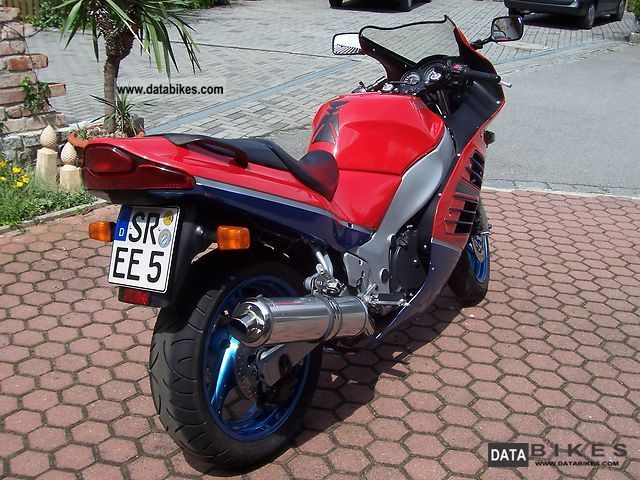 1995 Suzuki  600 RF Motorcycle Sports/Super Sports Bike photo