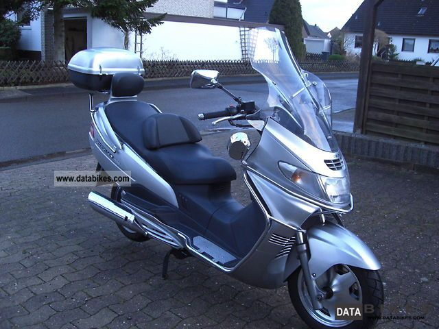 2002 Suzuki  AN400 Motorcycle Scooter photo