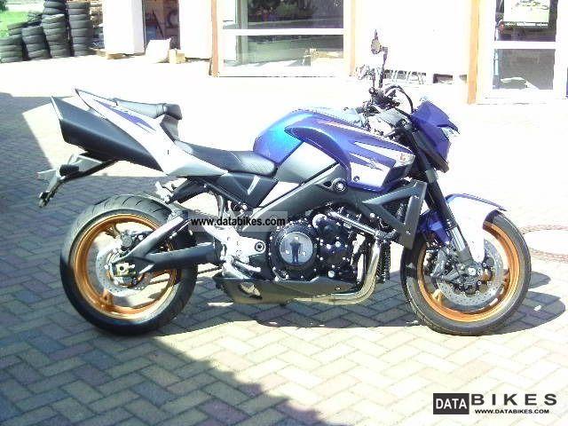2011 Suzuki  GSX 1300 B-King GSX1300 Motorcycle Motorcycle photo
