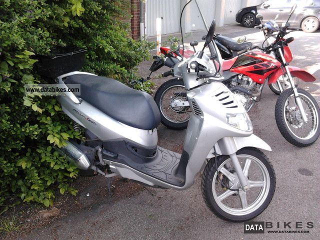 2009 SYM  HD200 Motorcycle Scooter photo
