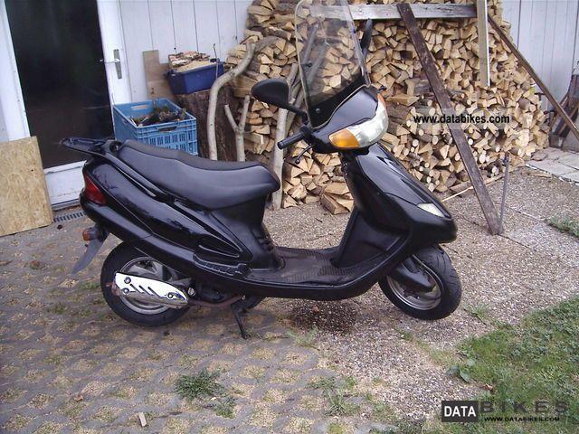 2000 SYM  Super Duke 125 Motorcycle Scooter photo